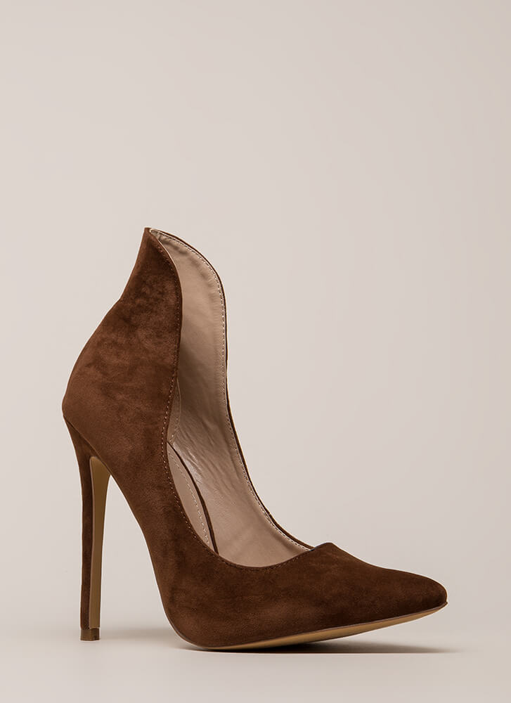 Different League Pointy Stiletto Pumps BROWN
