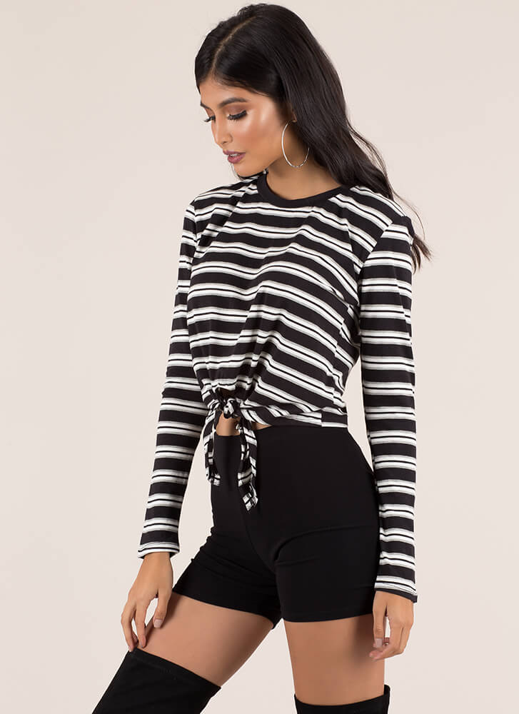 Just Relax Knotted Striped Crop Top BLACKWHITE