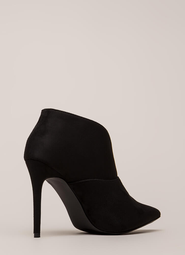 Take Charge Pointy Notched Booties BLACK