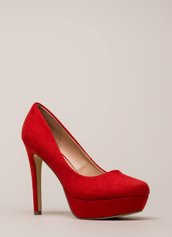 Simple Satisfaction Platform Pumps RED