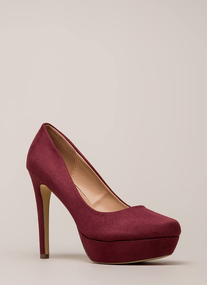 Simple Satisfaction Platform Pumps WINE