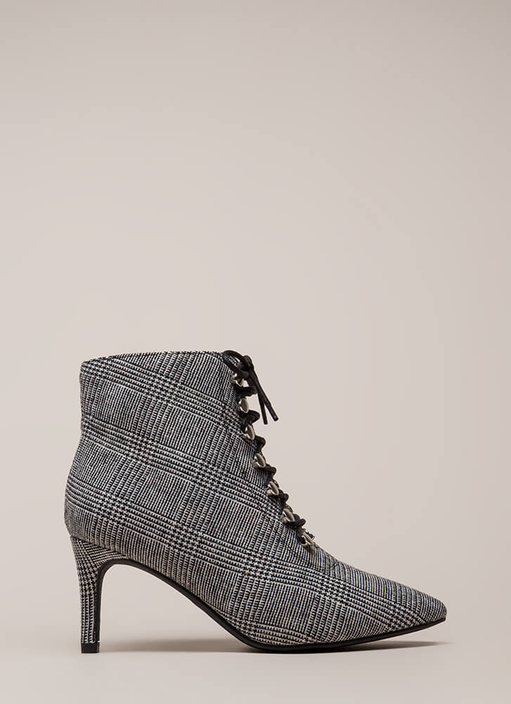 Longing For Lace-Up Houndstooth Booties BLACKWHITE