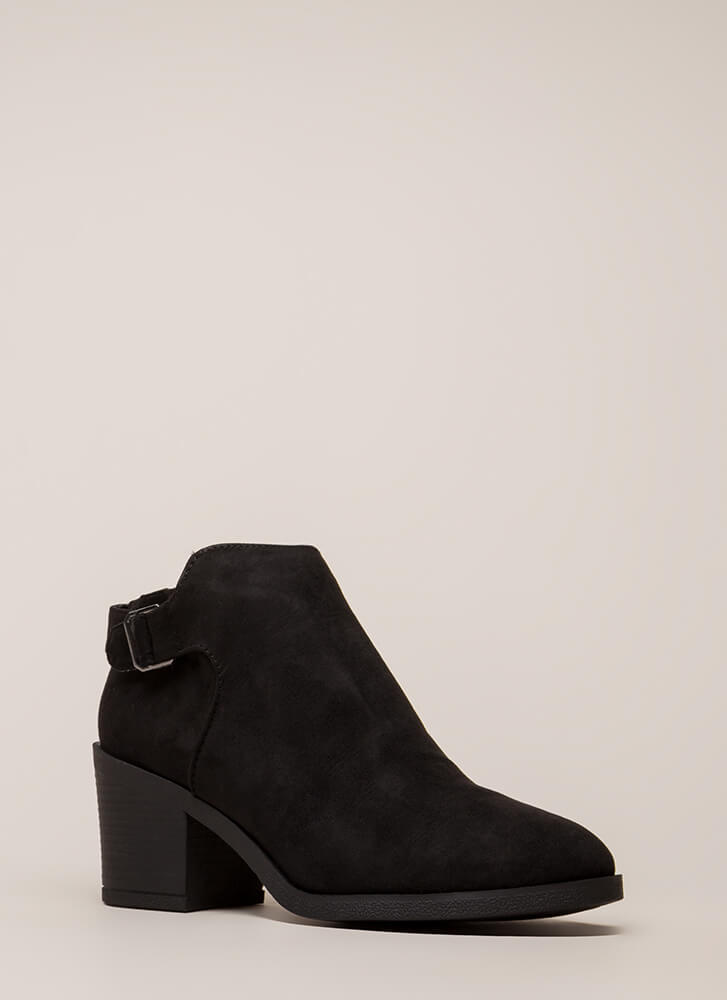 In Detail Strapped Block Heel Booties BLACK