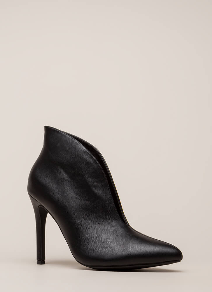 I Love My Curves Pointy Booties BLACK
