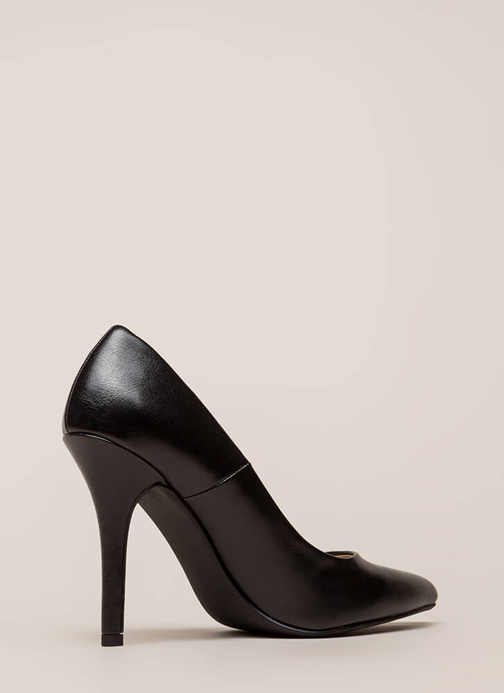 I Have A Date Pointy Faux Leather Pumps BLACK (Final Sale)