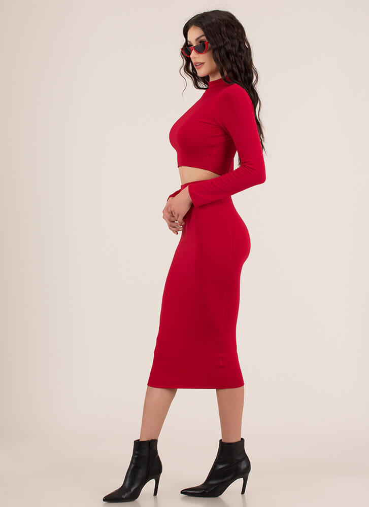 The Perfect 'Fit Top And Skirt Set RED