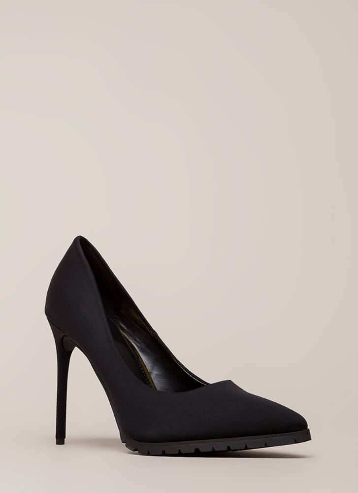 All You Need Is Lug Pointy Pumps BLACK