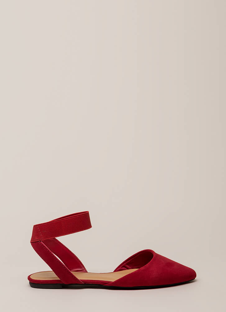 Have Fun Banded Almond-Toe Sandals RED