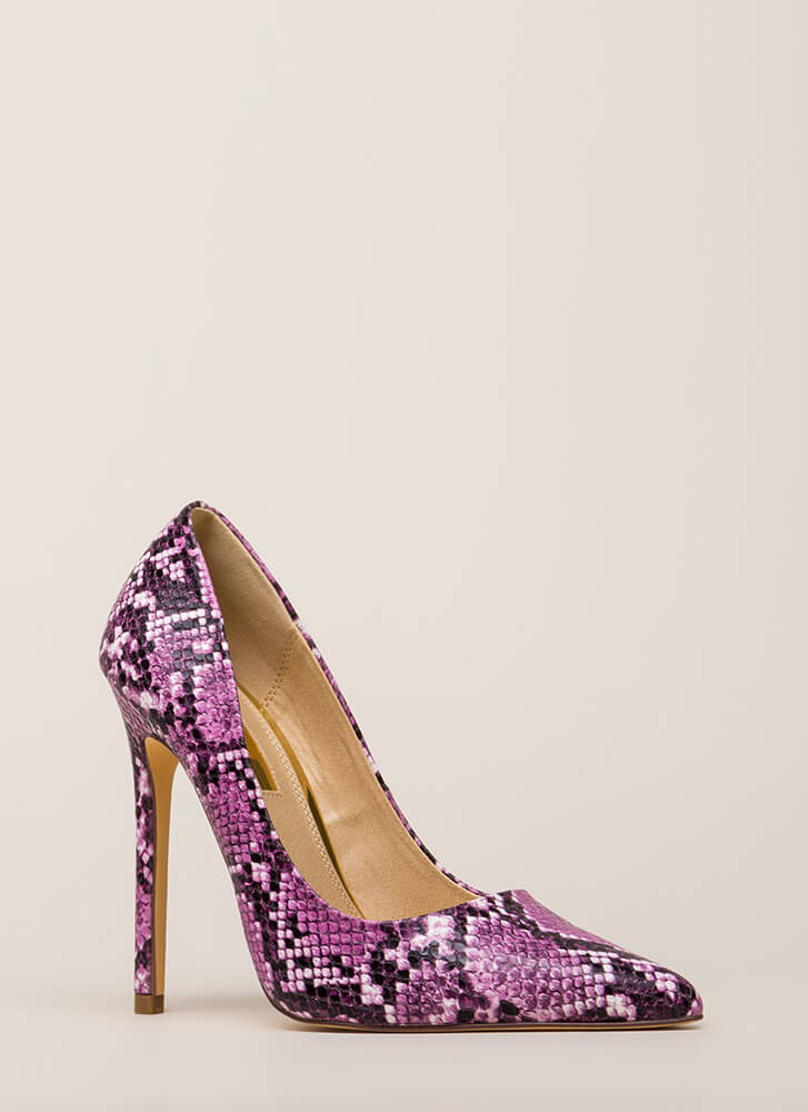 Reptile Crossing Pointy Faux Snake Pumps PURPLE