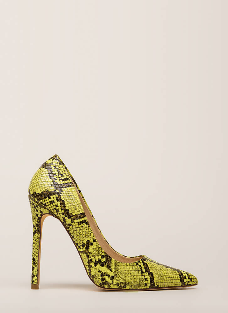 Reptile Crossing Pointy Faux Snake Pumps YELLOW