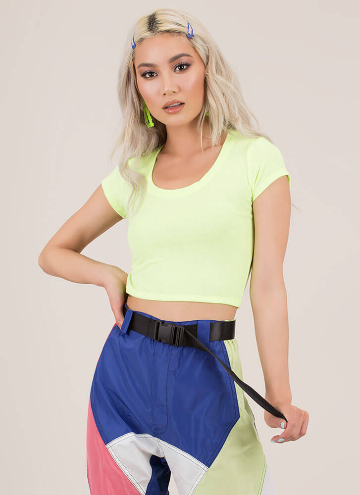 Fits To A Tee Short-Sleeved Crop Top NEONYELLOW (Final Sale)