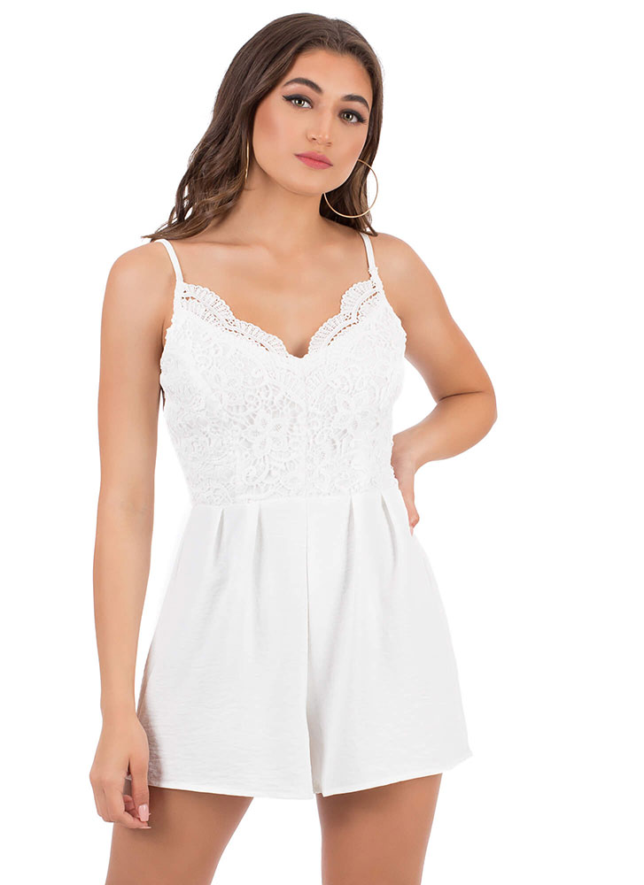 The Girl In Lace Pleated Romper WHITE