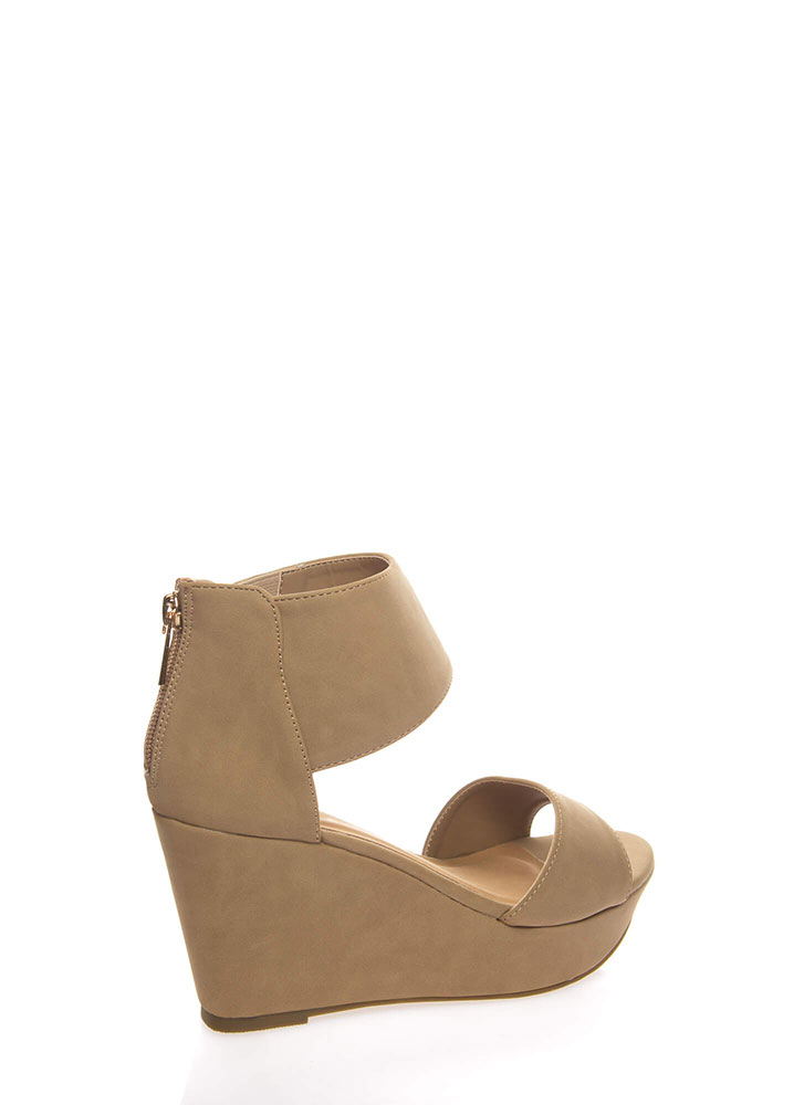 Chic Look Ankle Cuff Platform Wedges NATURAL