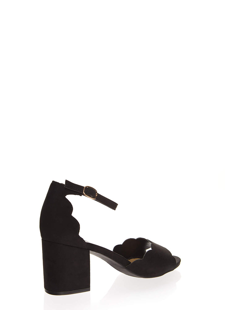 Around The Block Scalloped Chunky Heels BLACK