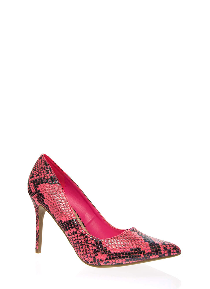 Snake Bite Pointy Scaled Pumps NEONPINK