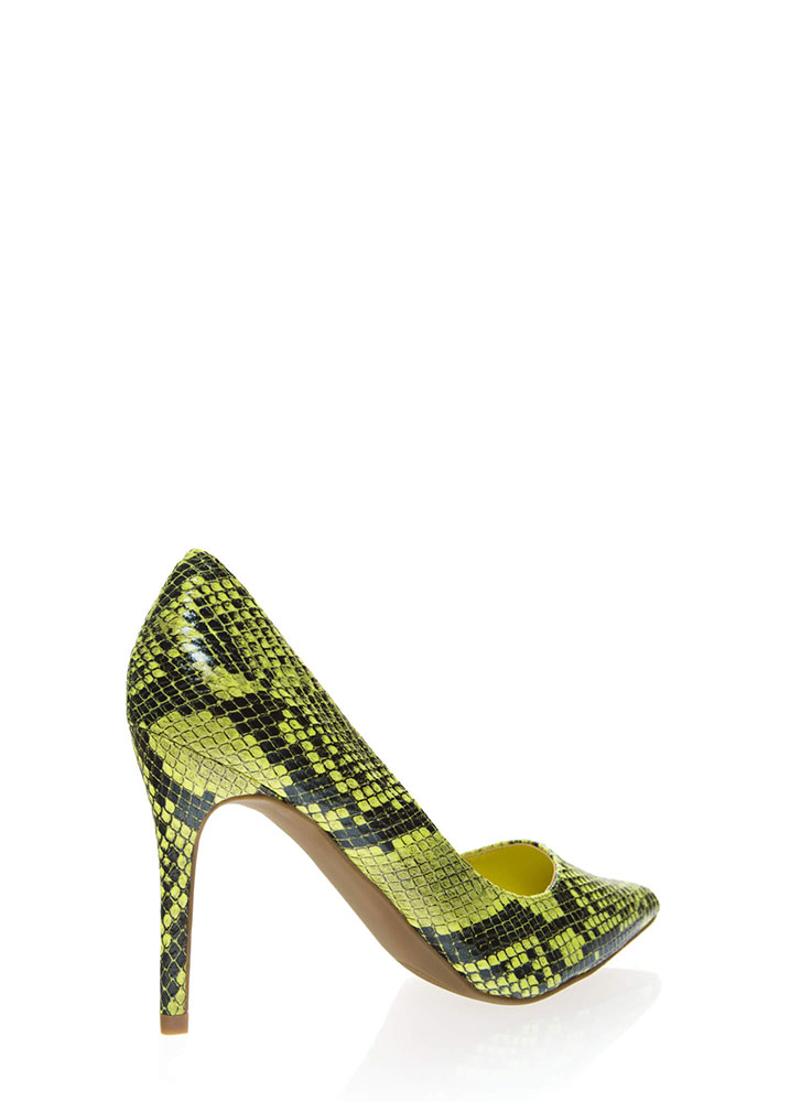 Snake Bite Pointy Scaled Pumps NEONYELLOW
