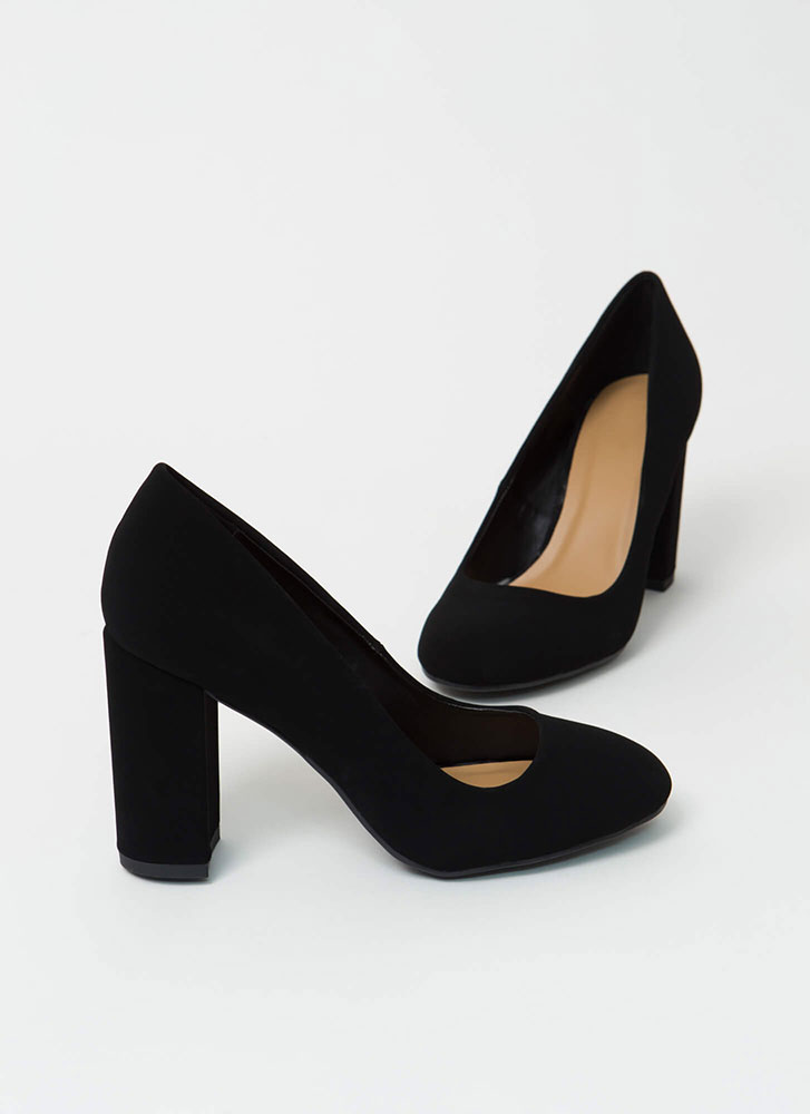 Round One Chunky Faux Nubuck Pumps BLACK