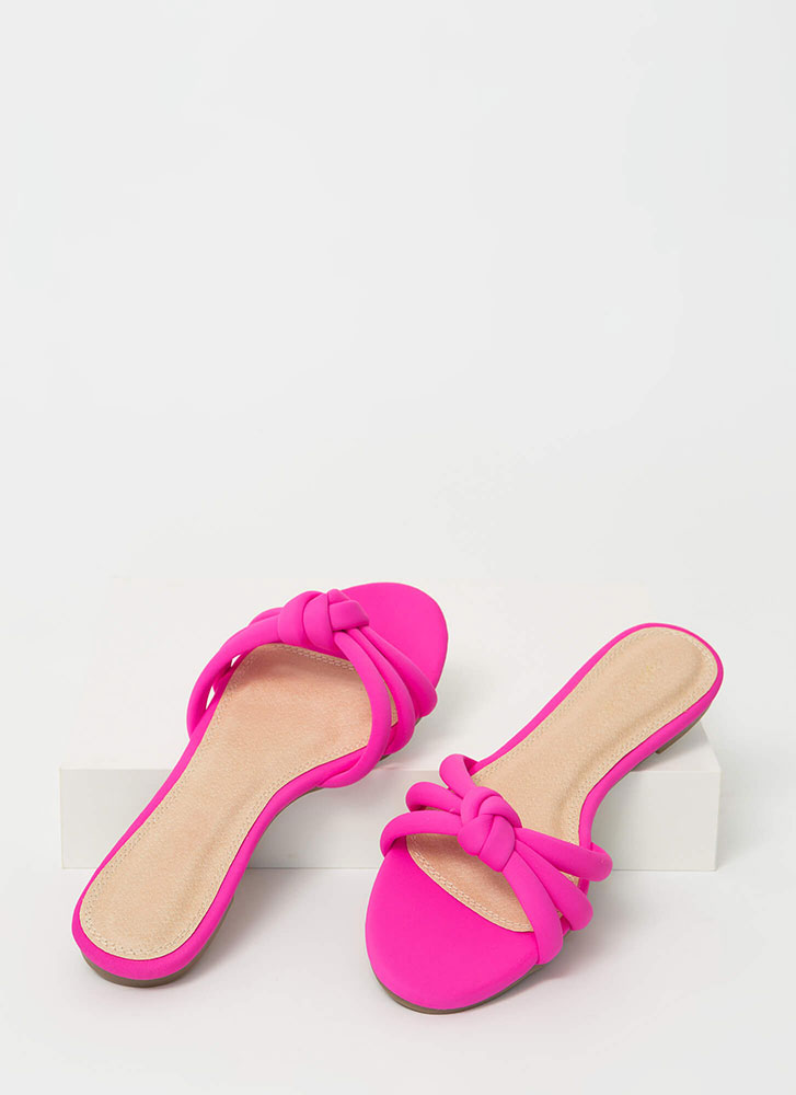 Knotty Girl Strappy Slip-On Sandals PINK