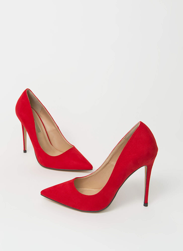 The Essential Pointy Faux Suede Pumps RED
