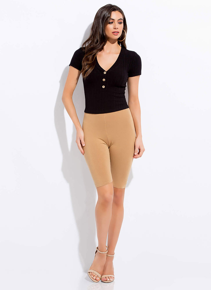 Get Going Ribbed Button-Front Top BLACK