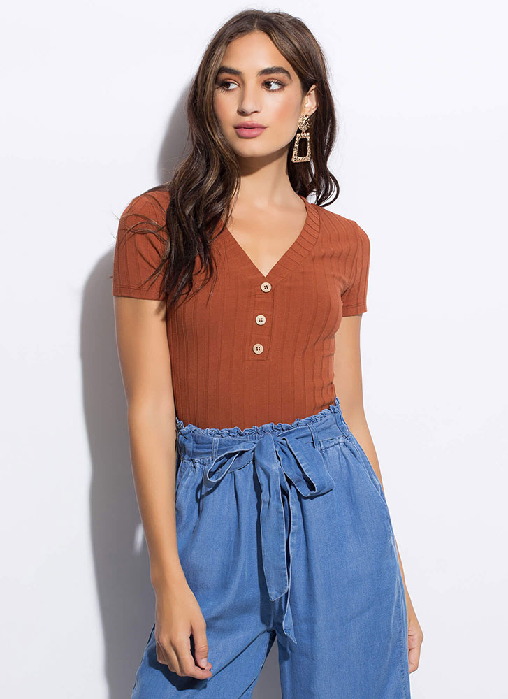 Get Going Ribbed Button-Front Top RUST
