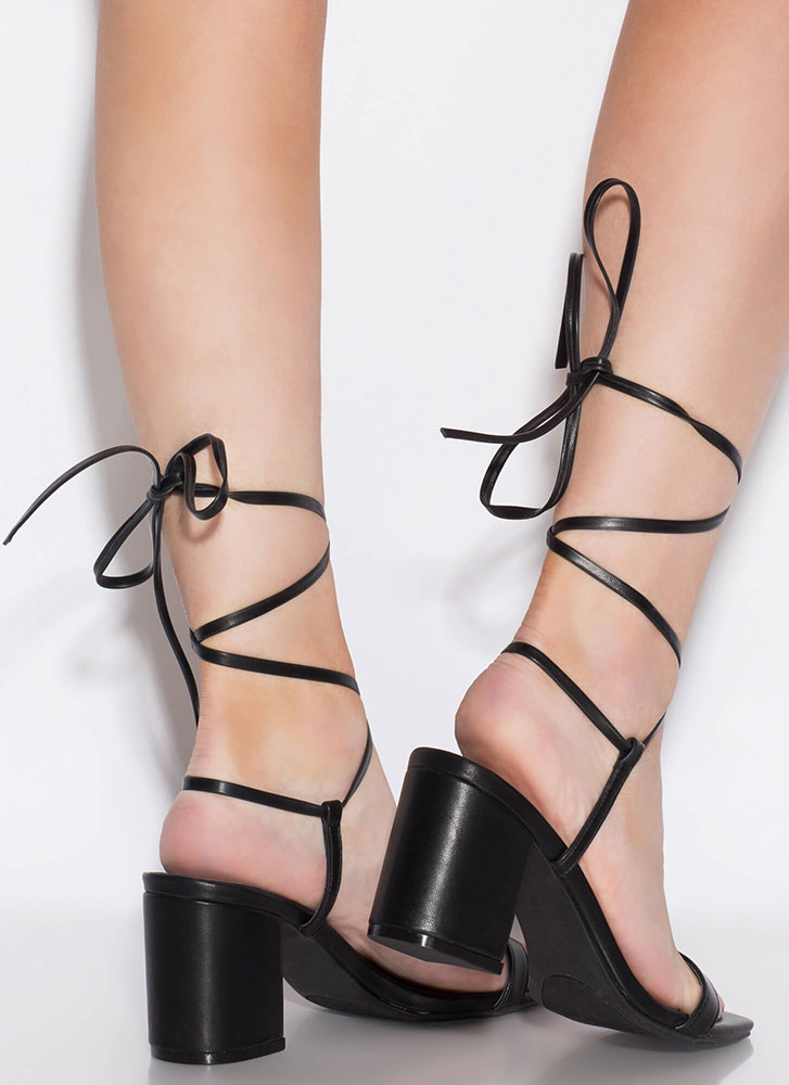 Living In My Lace-Up Block Heels BLACK