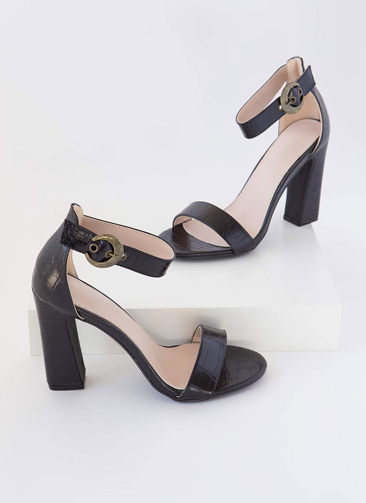 Cold-Blooded Reptile Chunky Heels BLACK