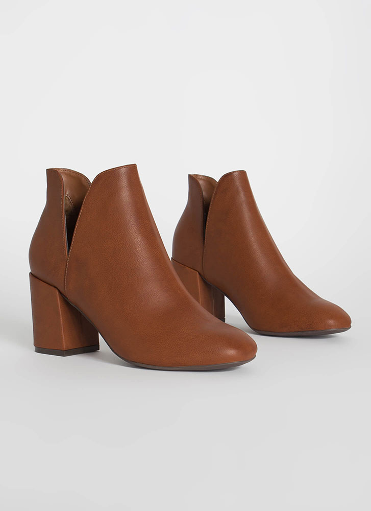Tulip Chunky Faux Leather Booties CHESTNUT