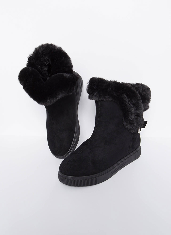 Furry Along Cuffed Pull-On Boots BLACK