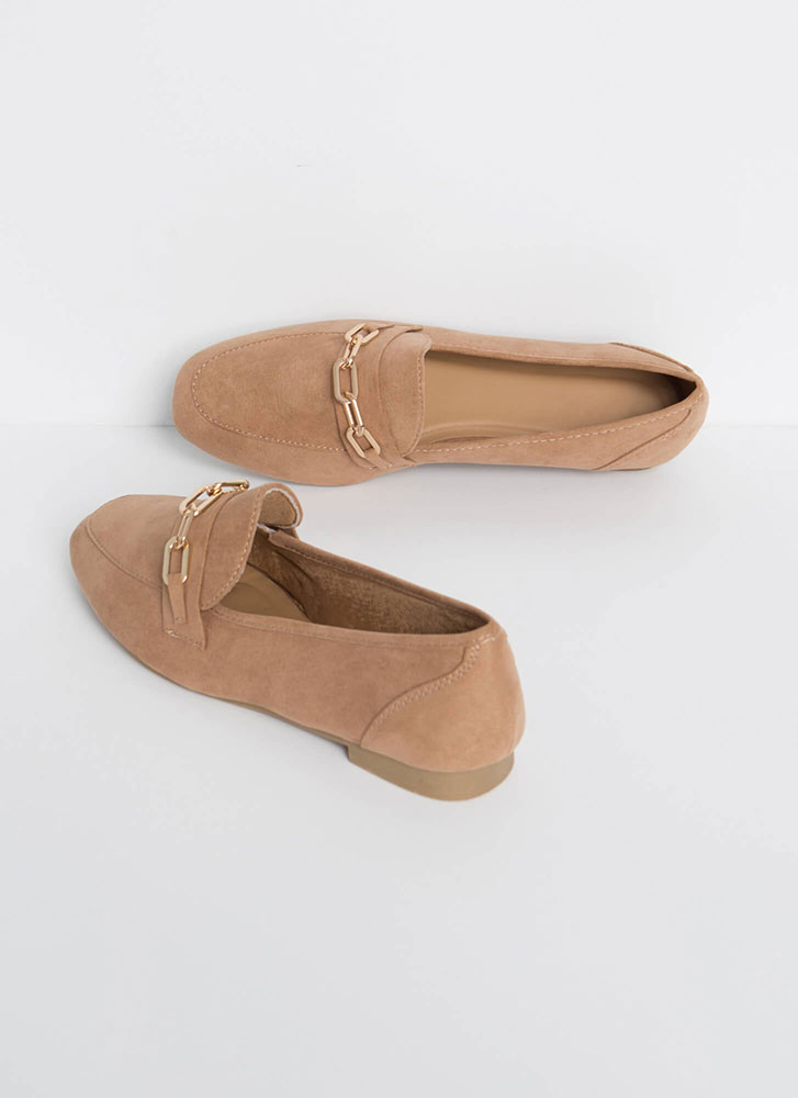 Link Twice Chained Loafer Flats CAMEL