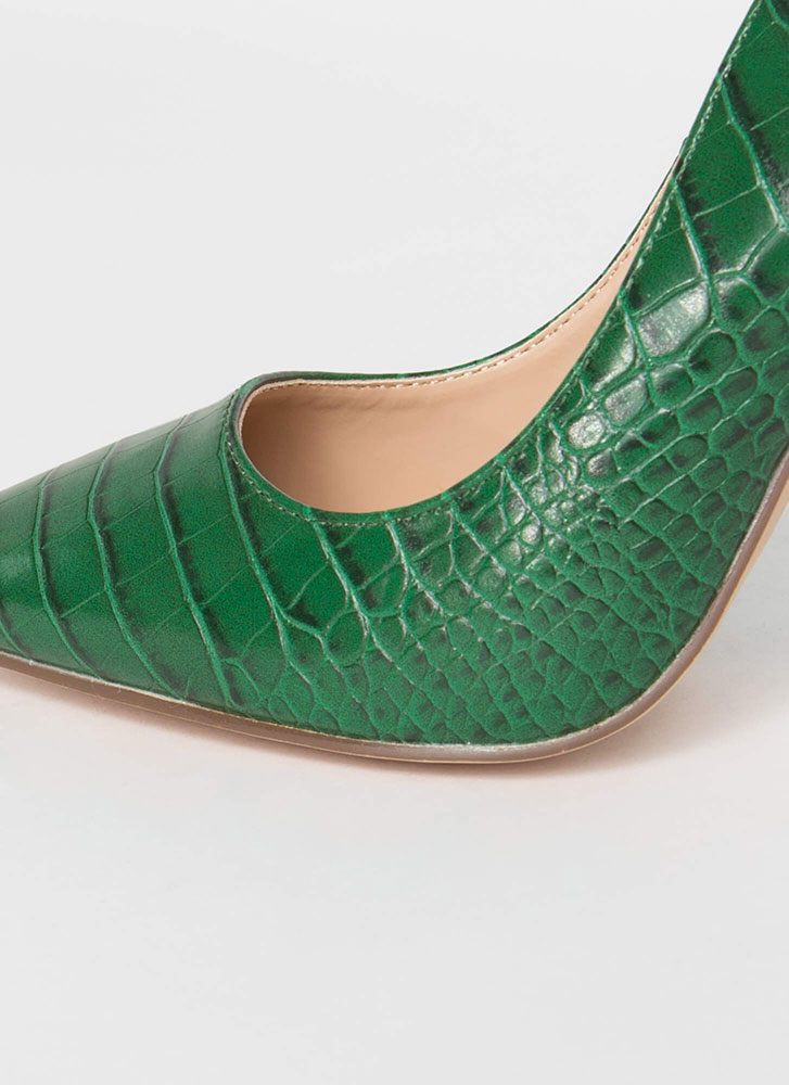 Prey For Me Pointy Faux Crocodile Pumps GREEN