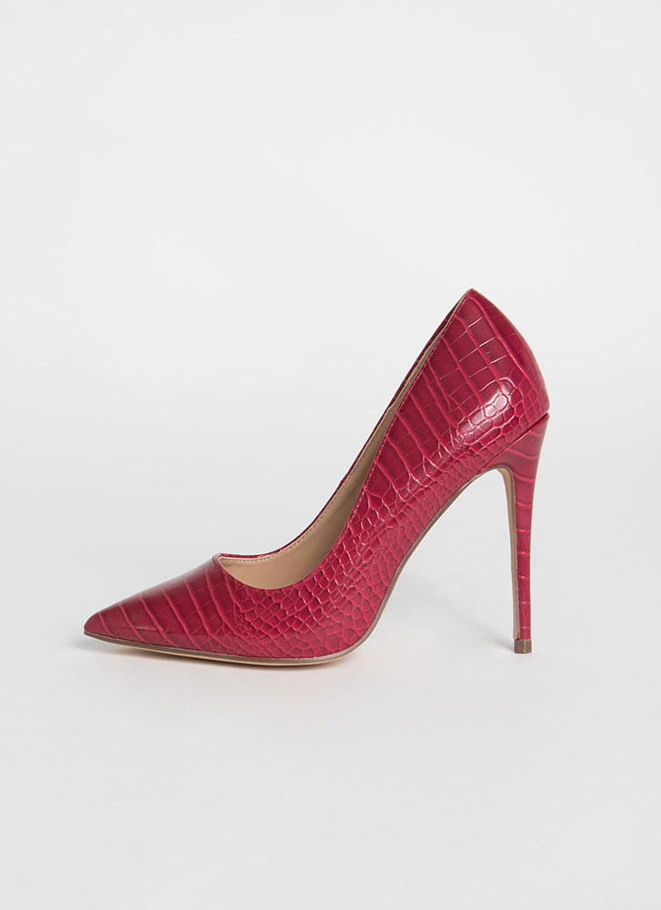 Prey For Me Pointy Faux Crocodile Pumps RED