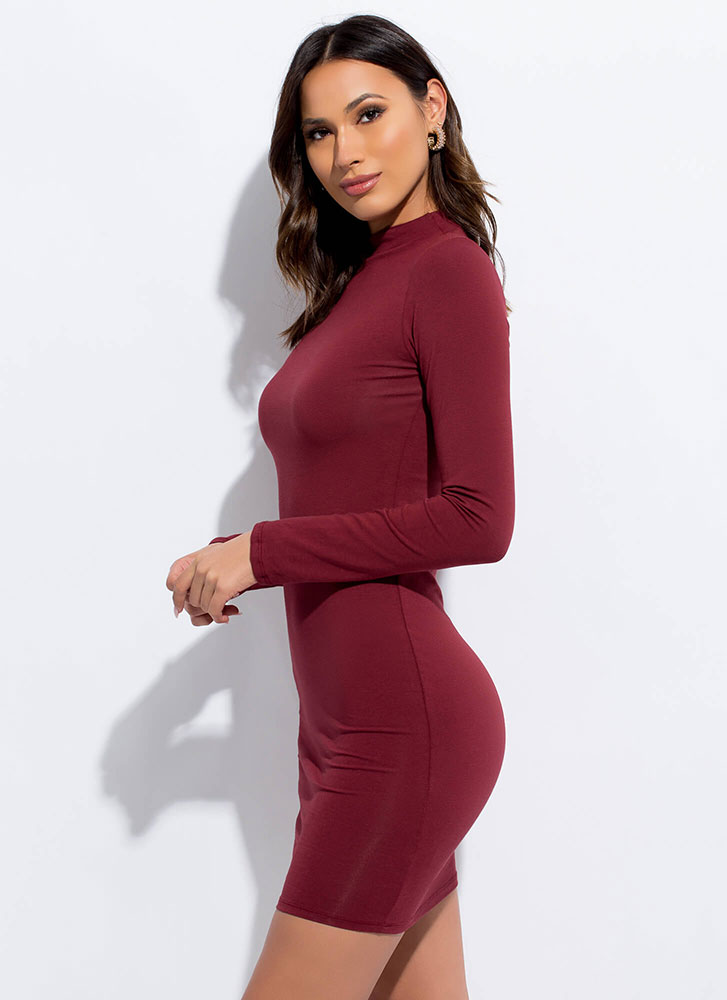 Make It A Basic Long-Sleeved Minidress MERLOT