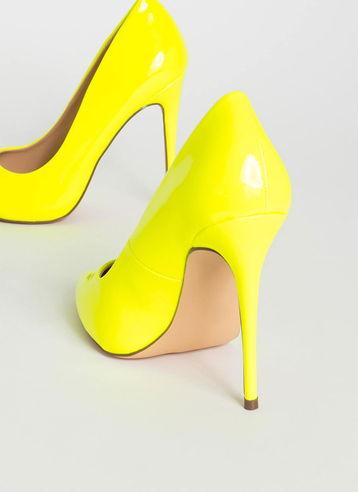 Hide And Sleek Pointy Faux Patent Pumps NYELLOW