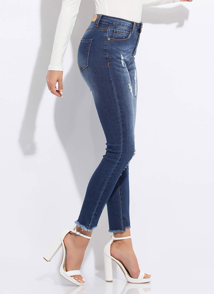 Make The Cut-Off Distressed Skinny Jeans DKBLUE
