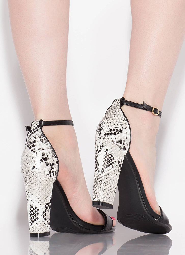 Heeling Touch Chunky Faux Snake Heels BLACK