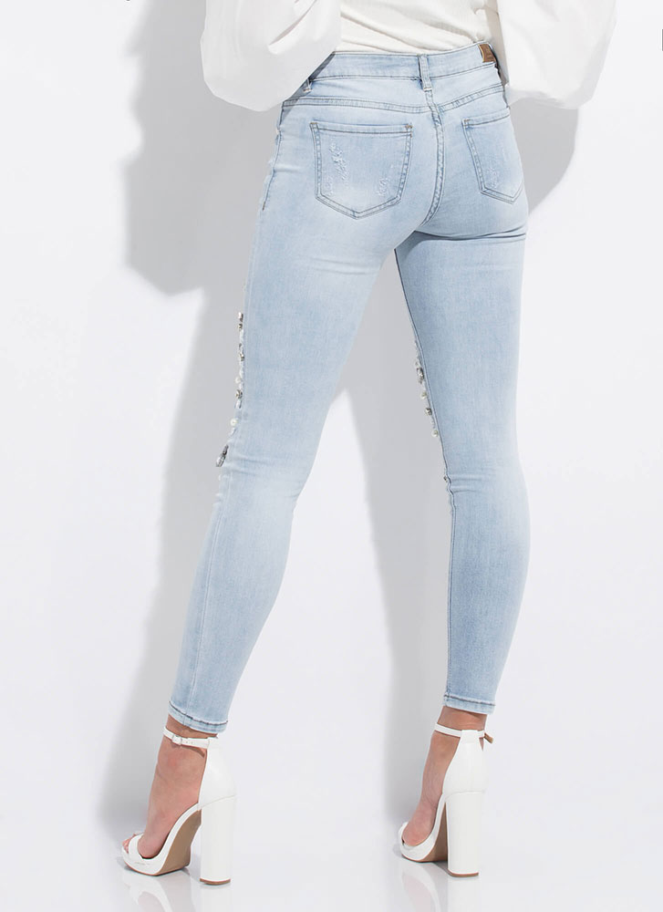 Diamonds And Pearls Embellished Jeans LTBLUE