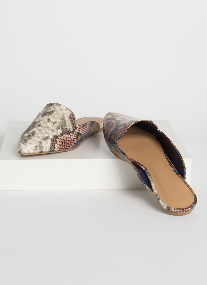 Smoke In Your Eyes Scaled Mule Flats CAMEL