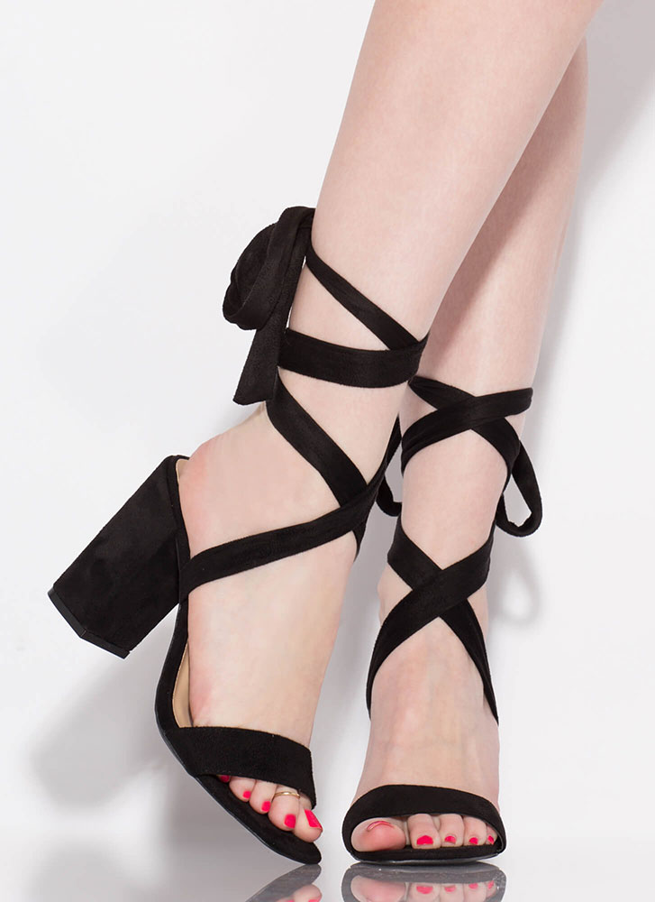 To Tie For Lace-Up Chunky Heels BLACK