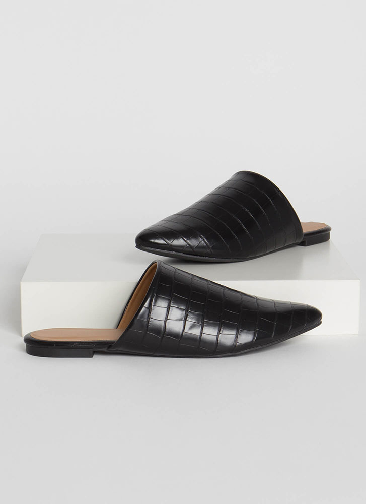 In A While Crocodile Pointy Mule Flats BLACK