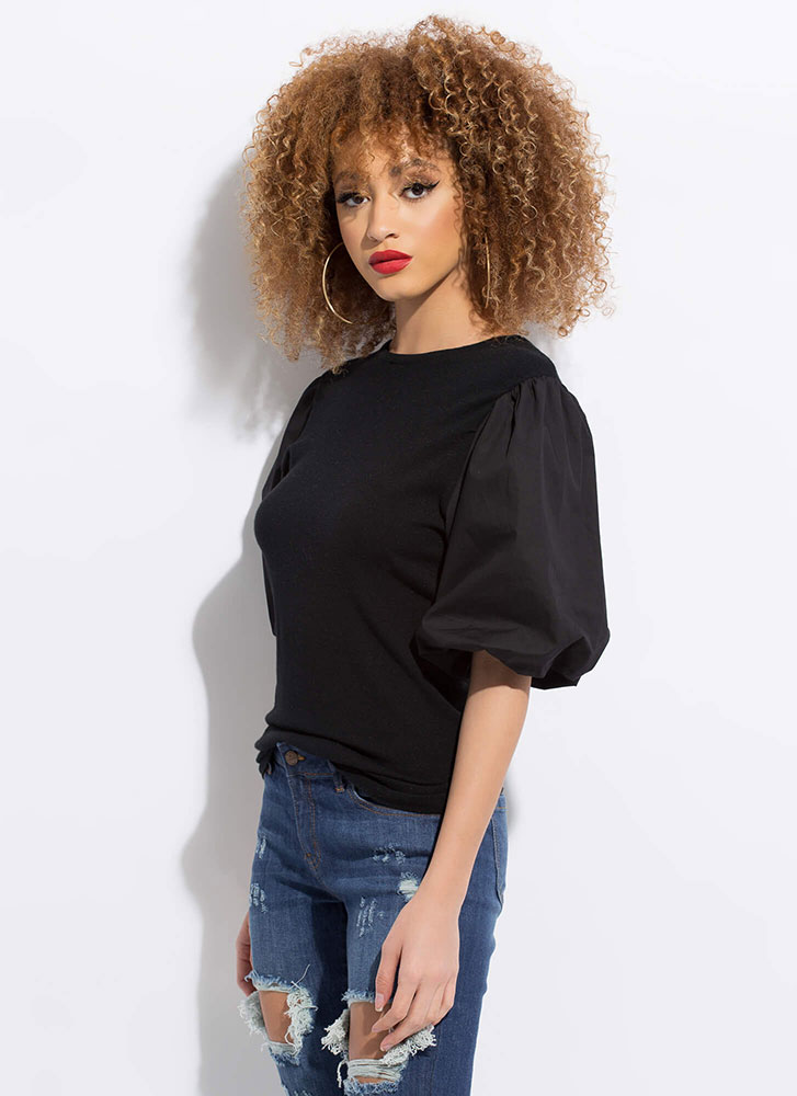New Silhouette Puffy Sleeve Knit Top BLACK
