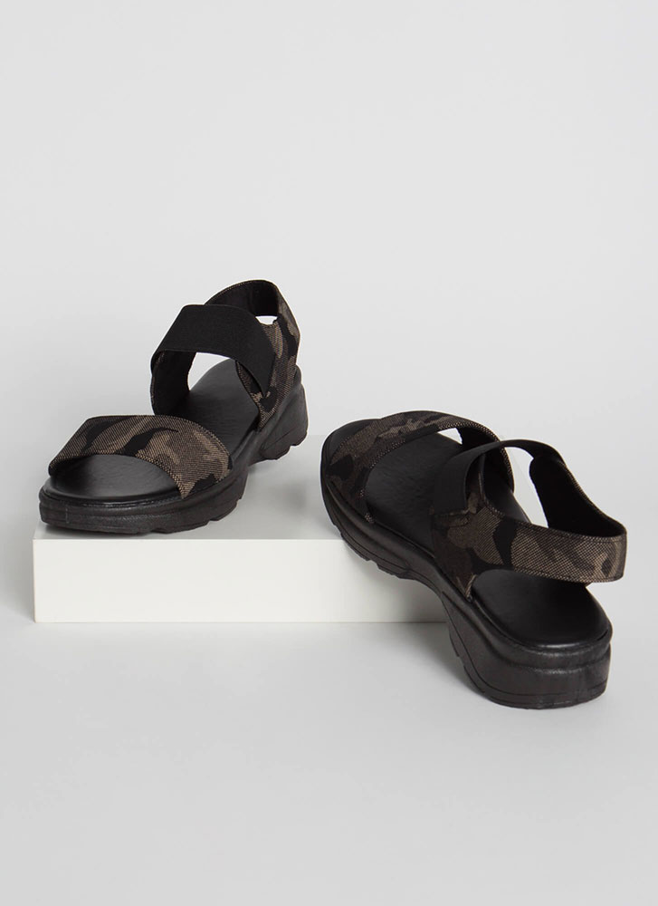 Now You See Me Camo Platform Sandals GREY