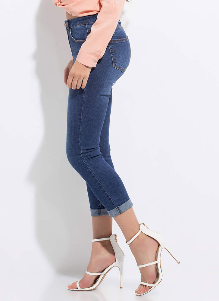 Cuffed Together Cropped Butt-Lift Jeans DKBLUE