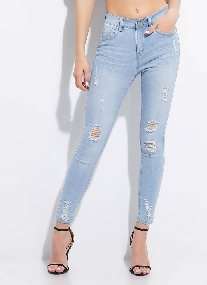No Stress Distressed Butt-Lift Jeans LTBLUE