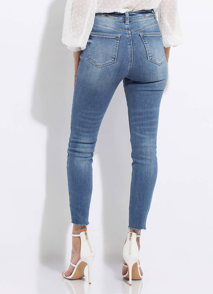 Stress-Free Distressed Skinny Jeans MEDBLUE