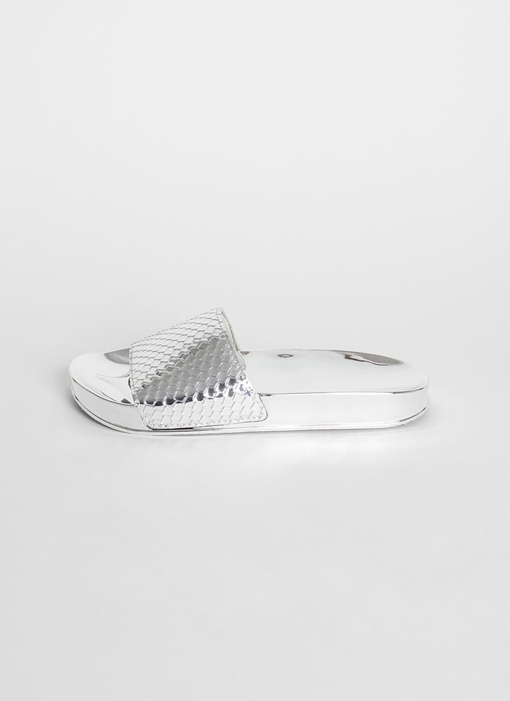 Go Fish Scaled Super Shiny Slide Sandals SILVER
