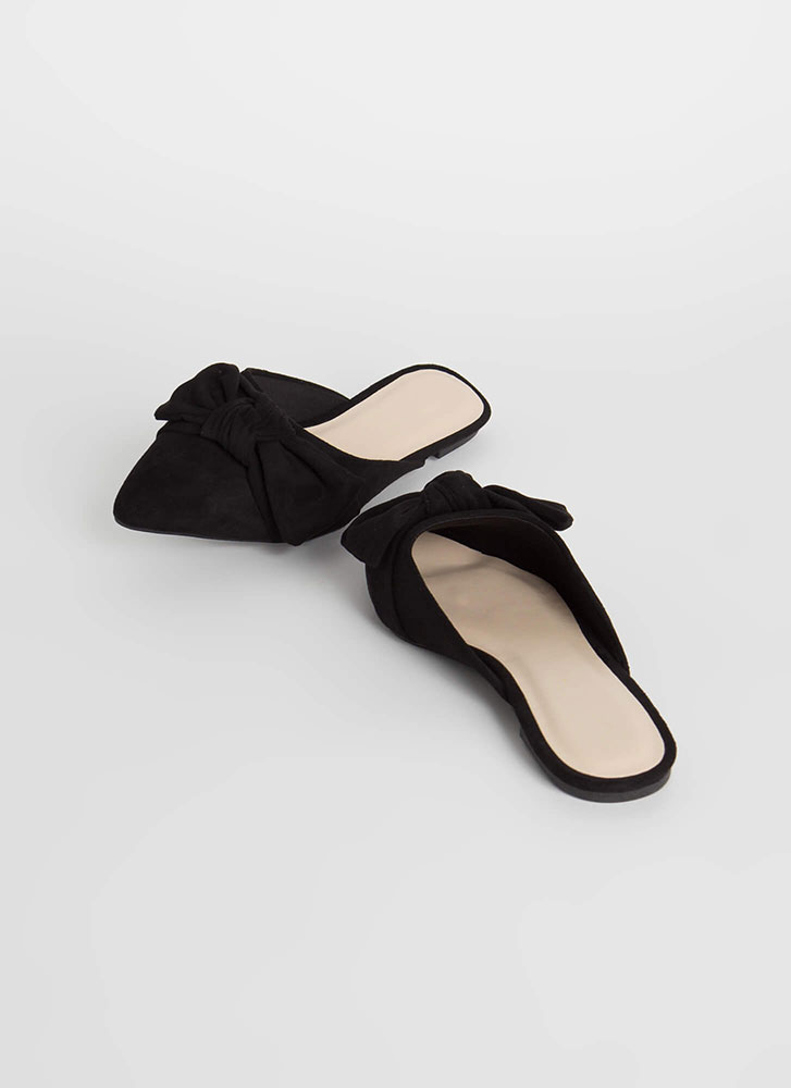 Bow And Get 'Em Pointy Mule Flats BLACK