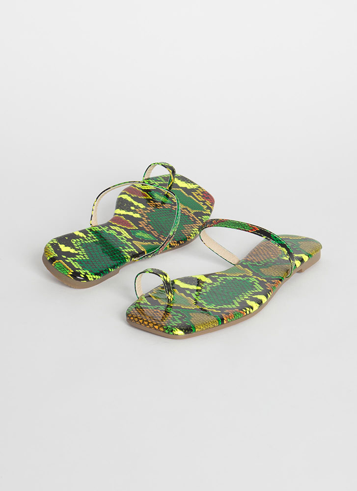 Sun's Out Toes Out Strappy Snake Sandals GREEN
