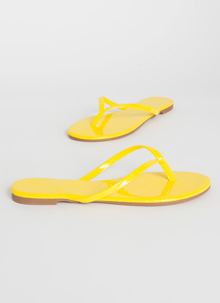 Gloss Factor Faux Patent Thong Sandals YELLOW