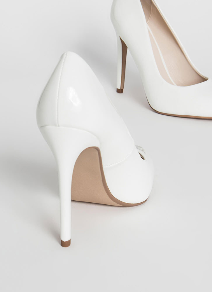 A Classic Pointy Faux Patent Pumps WHITE